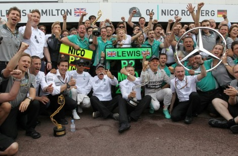 Mercedes celebrou mais uma dobradinha nesse fim de semana. (AFP)