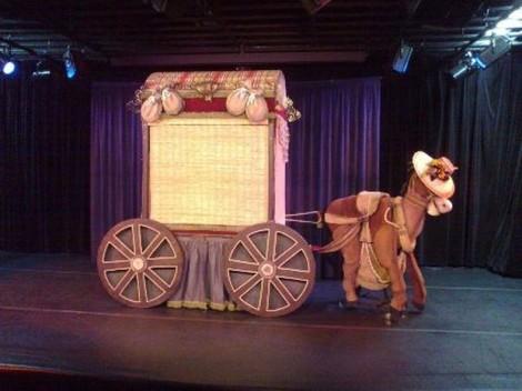 """Legenda da foto: A peça """"Pequenos Gestos"""" foi uma das várias apresentadas no evento. (Foto: Divulgação/G1)"""