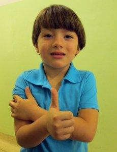 Pietro Rodrigues, de 5 anos, mostrou que já conhece a importância da vacina. (Créditos: Ana Carolina Moraes)