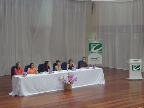 Uma das mesas redondas debateu temas necessários para uma boa educação infantil. (Créditos: Caroline Mazzer)