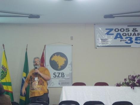O diretor do zoológico municipal, Luiz Pires, fez parte do evento. (Créditos: Caroline Mazzer)
