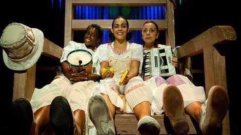 O público infantil também teve vez na Virada Cultural: na foto, o grupo de teatro Meninas do Conto (Foto: Divulgação)