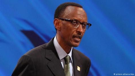 O atual presidente de Ruanda, Paul Kagame, conseguiu diminuir os conflitos étnicos no país, mas mantém uma postura ditatorial. Crédito: DPA