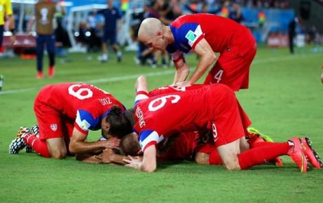 Josh Brooks deu a vitória aos Estados Unidos com gol no final da partida. (Foto:Getty Images)