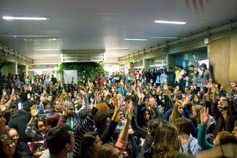 Alunos da Unesp-Bauru decidem, em assembleia, a paralisação estudantil (Créditos: Felipe Amaral)