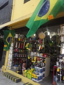 Após a derrota do Brasil, os preços dos artigos relacionados à copa caíram. (Créditos: Nathalie Caroni)