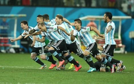 A Argentina enfrentará a Alemanha na grande final da Copa do Mundo. As seleções já decidiram o título em outras duas ocasiões. (Foto: Marcos Ribolli)