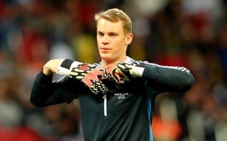 """O melhor """"zagueiro"""" alemão veste luvas: Neuer. (Foto: Getty Images)"""