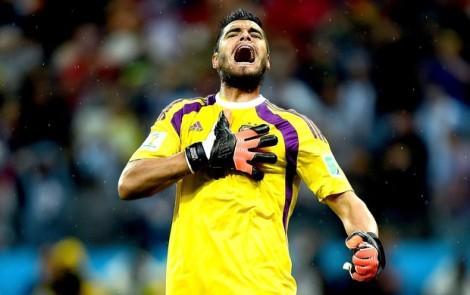 O goleiro argentino Sergio Romero foi o heróis da partida, pegado dois pênaltis. (Foto: Getty Images)
