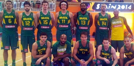 A equipe completa do Brasil. (Foto: Divulgação/CBB)