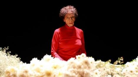 """A bailarina Angel Vianna, de 85 anos, é homenageada no espetáculo """"Qualquer coisa a gente muda"""" (Foto: Divulgação)"""