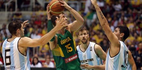 Tiago Splitter quer manter o bom momento da NBA no Brasil. (Foto: Divulgação/CBB)