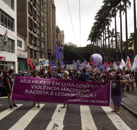 """Historicamente o 8 de março é """"Dia da Mulher"""", mas para os movimentos organizados, é um dia de manifestações e visibilidade para as lutas, como no ato ocorrido em São Paulo em 2013. (Créditos: Thamires Motta)"""