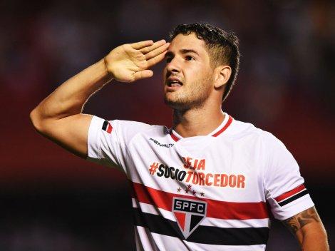 Esperança de gols pelo tricolor, Alexandre Pato está confirmado pro jogo de logo mais (Foto: Ricardo Matsukawa/VEJA.com)