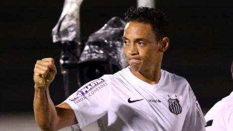 Escolhido para a seleção do campeonato paulista, Ricardo Oliveira é a esperança santista para a final (Foto: Thiago Calil/Photo Press/Estadão Conteúdo)