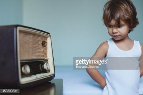 Rádio: um importante meio de comunicação no Brasil (Foto: Getty Images / Thanasis Zovoilis)