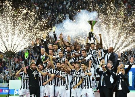 Campeã italiana, da Copa da italiana e vice da Champions League, a Juve é mais uma vez favorita na Itália (Foto: AFP)