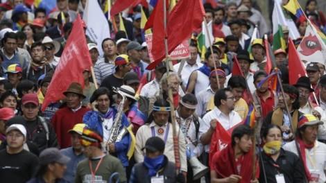 Presidente do Equador vem ganhando adversários indígenas com seus projetos de exploração petroleira e mineradora. (Créditos: Dolores Uchoa).