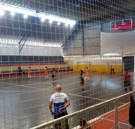 Na foto, o início do jogo entre Bauru e Botucatu, que acabou com a vitória da equipe laranja e preta de Botucatu por 2 a 1 (Foto: Lucas Altimari Piccolo)