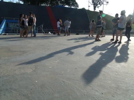 Jogos de cena e atividades de expressão corporal dominaram a tarde de domingo. (Foto: Gabriela Silva de Carvalho)