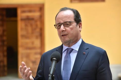 MARIA CLARA Hollande anuncia estado de emergência econômica na França - Imagem